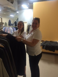 Employees_Sorting_Clothes